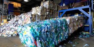 Pétrole Artificiel : Le recyclage des déchets plastiques en diesel.