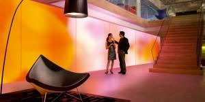 Philips : le futur de l'éclairage ambiant dans le papier peint lumineux