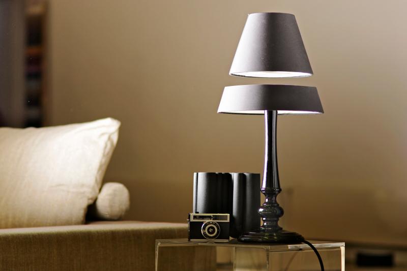 Lampe Levitation Magnetique