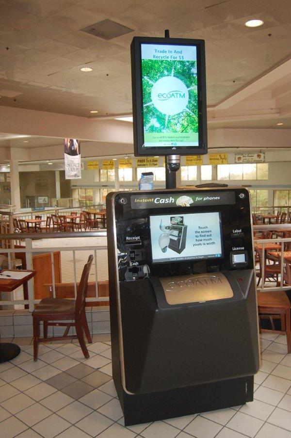 ecoatm un distributeur automatique qui donne du cash contre vos vieux appareils lectroniques. Black Bedroom Furniture Sets. Home Design Ideas