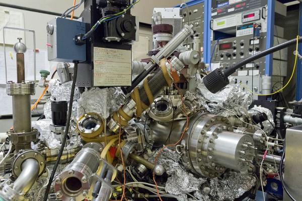 IBM-le-plus-petit-film-du-monde-atome-3