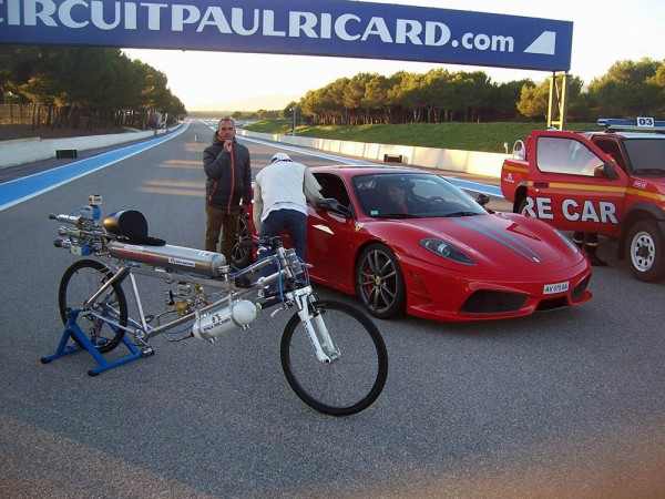 record-vitesse-velo-333-kmh-3
