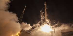 SpaceX-Falcon-9-1